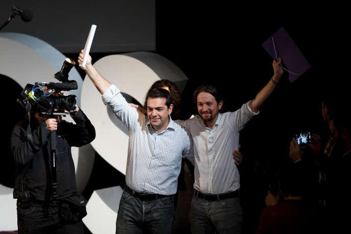 Alexis Tsipras (à gauche) et Pablo Iglesias, à Madrid, lors de l'élection de ce dernier à la tête de Podemos, le 15novembre 2014.