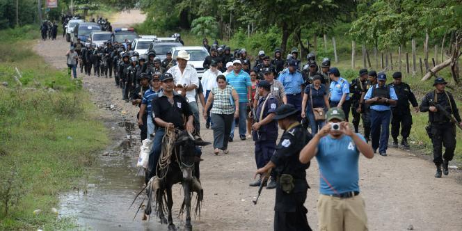 Selon le gouvernement, ce chantier est la manière la plus rapide de sortir de la pauvreté, qui touche 45 % de la population au Nicaragua.