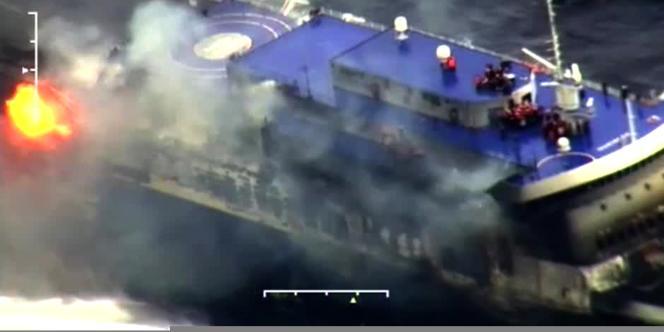 Image du ferry «Norman Atlantic» en feu.