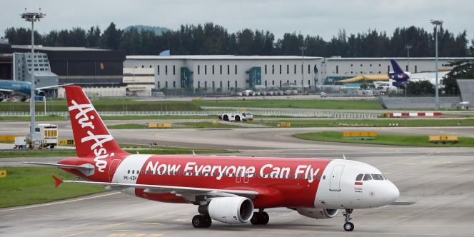 Un Airbus A320 d'Air Asia à Singapour, le 28 décembre 2014.