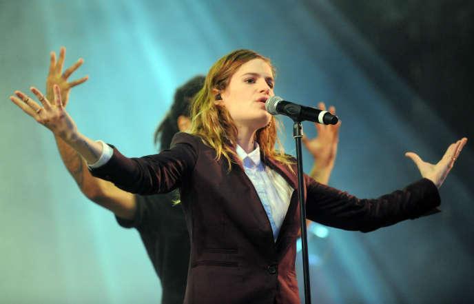 Heloïse Letissier, chanteuse du groupe