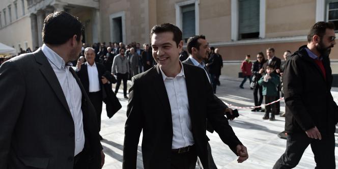 Le leader du parti politique Syriza, Alexis Tsipras, a déclaré à l'issue de l'échec de la présidentielle: «Le peuple est déterminé à mettre fin à l'austérité et aux mémorandums.»