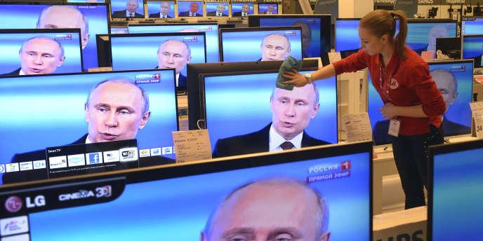 Dans un magasin d'électroménager à Moscou, en avril 2014.