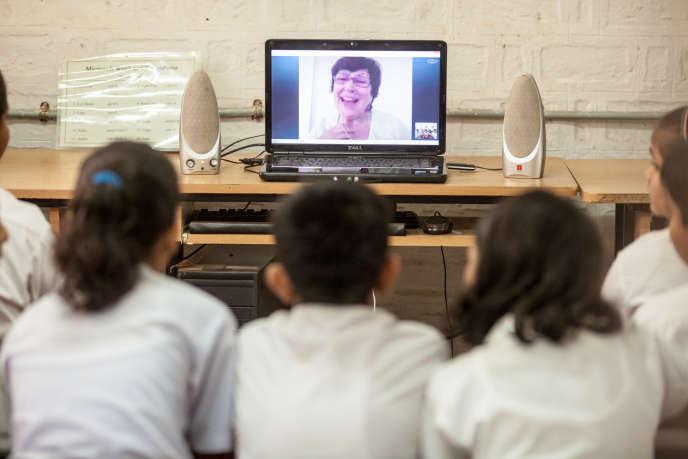 Une séance de «School in the cloud», en Inde. Le projet mobilise des enseignants de onze nationalités.