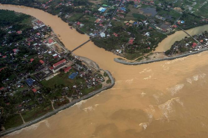 Vue aérienne de Pengkalan Chepa, près de la ville de Kota Bharu, le 29 décembre.