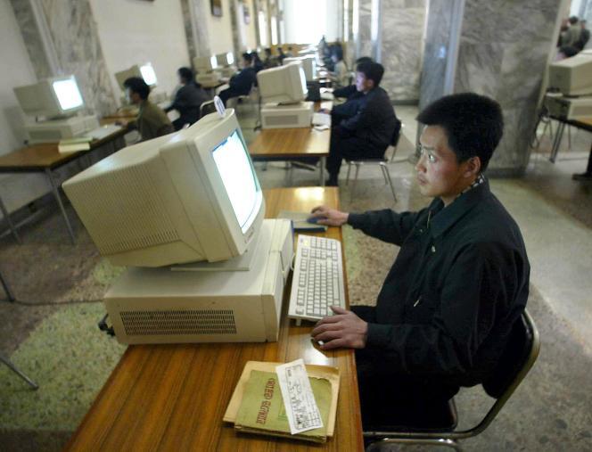 Dans une bibliothèque à Pyongyang.