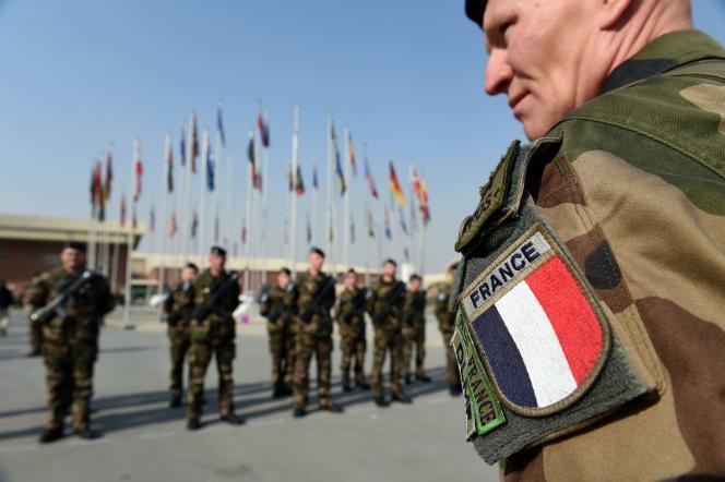 Lors de la cérémonie de départ du dernier contingent français à Kaboul, mercredi matin.