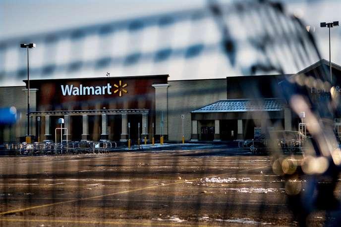 Une jeune femme a été tuée accidentellement par son fils de 2 ans. Elle faisait des courses au supermarché Walmart à Hayden, dans l'Idaho.