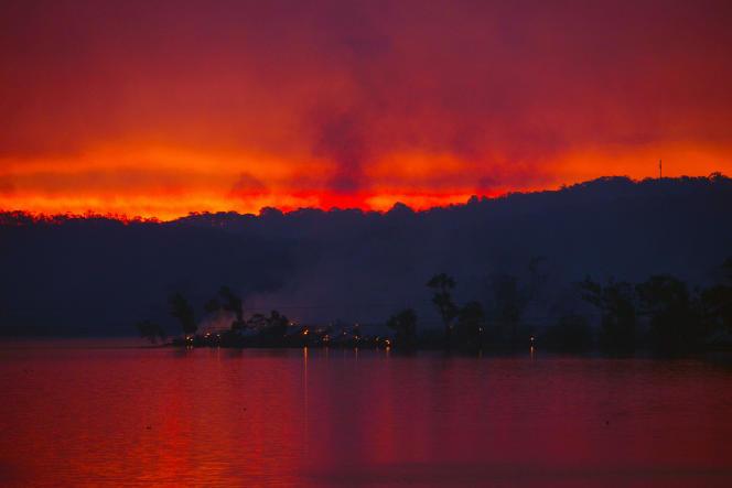 Il s'agit du pire incendie en Australie depuis le « mercredi des cendres » de 1983.