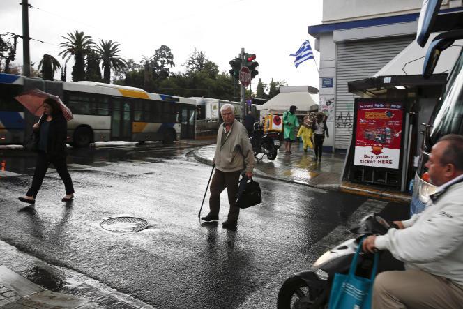 Dans une rue d'Athènes.