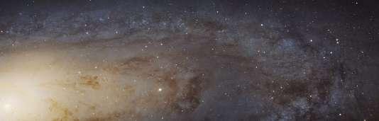 La galaxie d'Andromède, ici observée par le télescope Hubble le 6 janvier, est une galaxie de forme spirale.