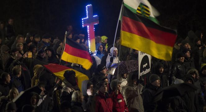 Des manifestants de Pegida à Dresde, le 5 janvier.