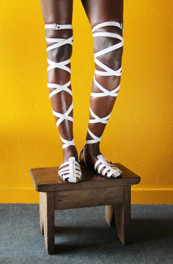 Sandales Lêkê portées en Afrique de l'Ouest.
