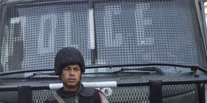 Selon le gouvernement, plus de 500 policiers et soldats ont été tués dans des attaques depuis un an et demi.