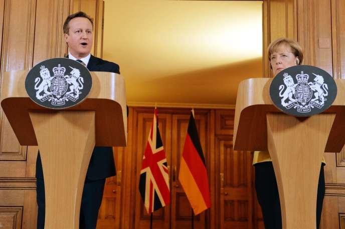 Le premier ministre britannique, David Cameron, et la chancelière allemande, Angela Merkel, à Londres, le 7 janvier 2015.