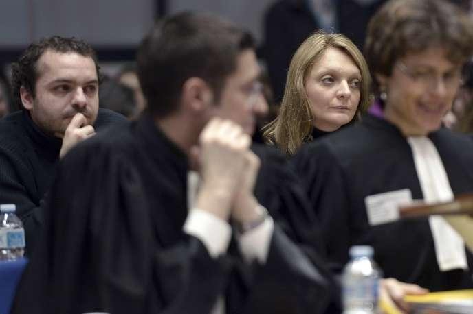 François Lambert et Rachel Lambert à la Cour européenne des droits de l'homme, àStrasbourg, le 7janvier.