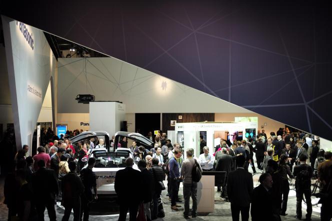 Tesla Model X au salon CES de Las Vegas, le 6 janvier. Panasonic et le constructeur américain de véhicules électriques vont développer une usine géante de batteries dans le Nevada.