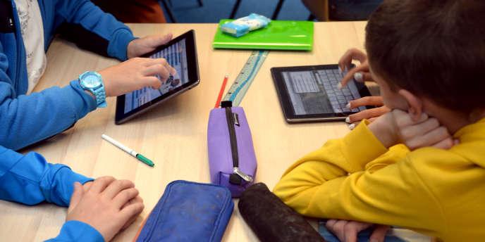 En 2014, il y avait 22 ordinateurs ou tablettes pour 100 collégiens