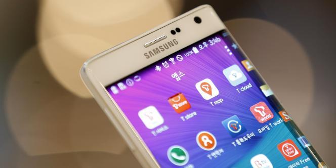 D'après le cabinet IDC, Samsung est toujours numéro un en termes de ventes de smartphones, mais il est le seul des cinq premiers constructeurs mondiaux à voir ses ventes reculer sur un an.