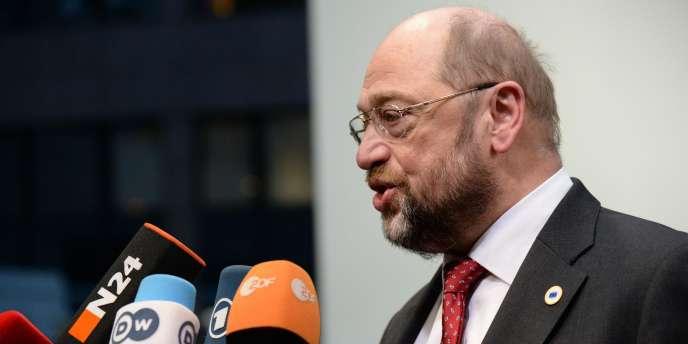Martin Schultz condamne les propos attribués à la chancelière allemande sur une éventuelle sortie de la Grèce de la zone euro en cas de victoire électorale de la gauche radicale dans le pays.