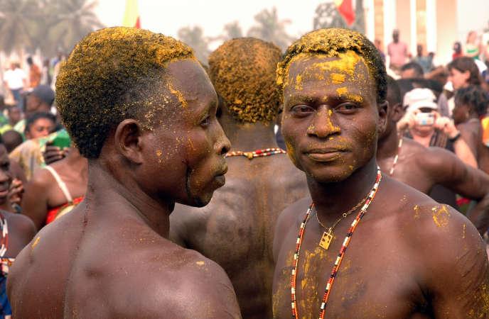 Des adeptes du vaudou, à Ouidah.