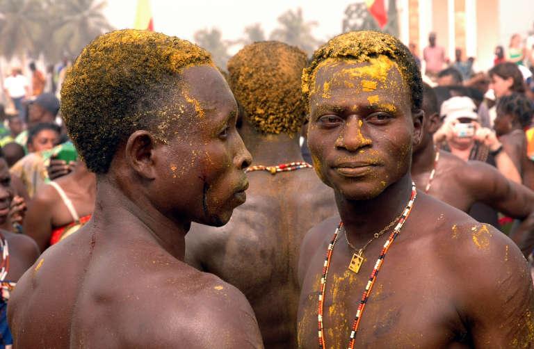 Pratique vaudou, ici en janvier 2007. Ouidah, un des centres de cette religion, l'a exportée à Haïti et au Brésil par la traite des esclaves.