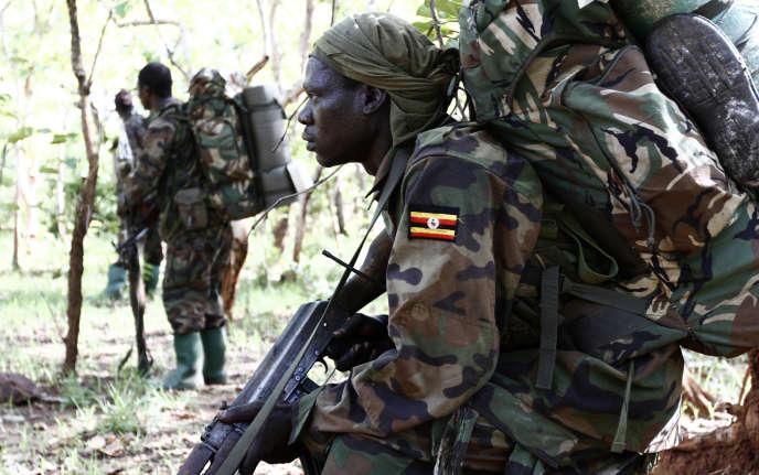 Soldats ougandais en opération contre l'Armée de résistance du Seigneur, près de la frontière centrafricaine, en2012.