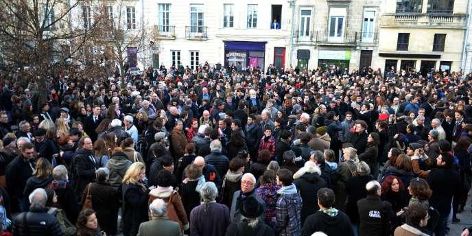 Des milliers de personnes s'étaient rassemblés, mercredi, sur le sur le parvis des Droits de l'homme de Bordeaux pour soutenir la liberté de la presse et condamné l'attaque du journal.