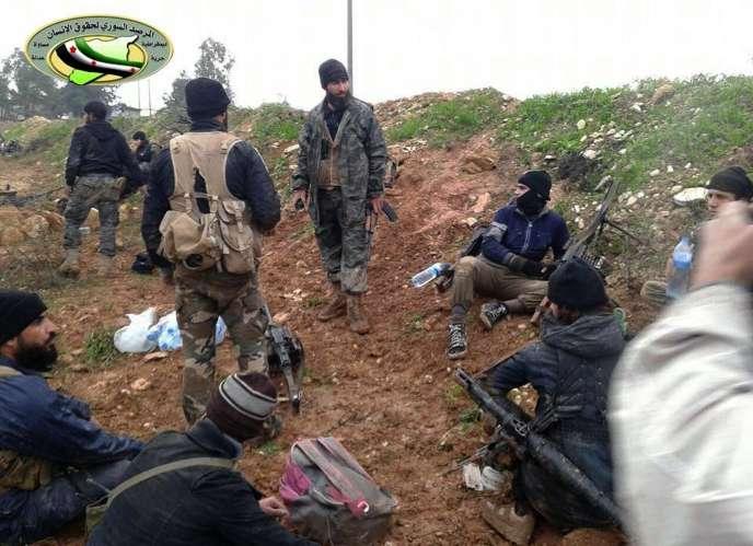 Des combattants du Front Al-Nosra, dans la province d'Idleb, en décembre 2014.