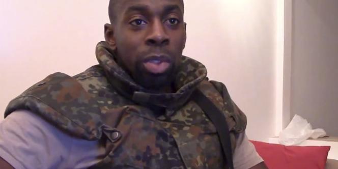 Amedy Coulibaly. Capture d'écran d'une vidéo mise en ligne le 11 janvier.
