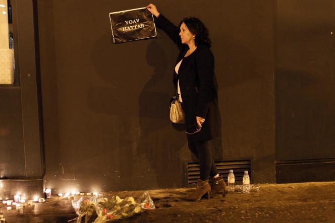 Pancarte rendant hommage à l'une des victimes tuées lors de la prise d'otage dans un supermarché casher de la porte de Vincennes à Paris.