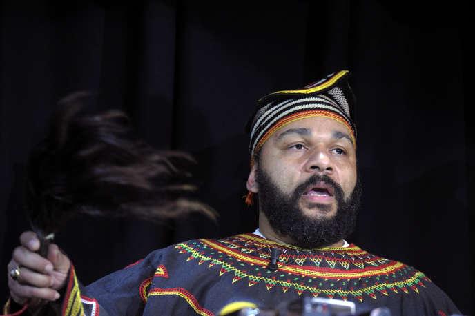 Dieudonné Mbala Mbala au Théâtre de la Main d'Or, le 11janvier2014.
