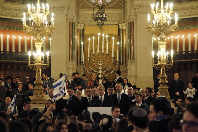 Benyamin Nétanyahou, premier ministre israélien, lors de la cérémonie à la Grande Synagogue de Paris,  le 11janvier  2015.