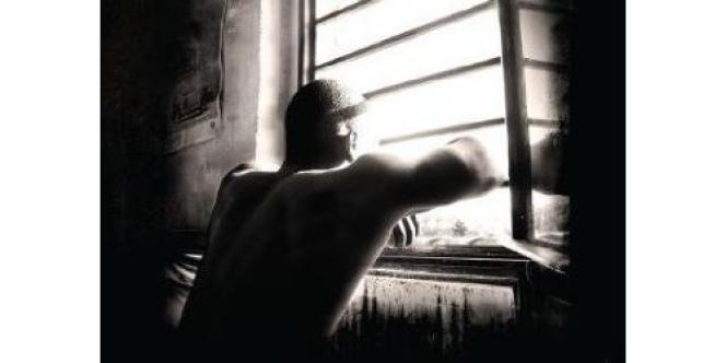 «Reality-taule. Au-delà des barreaux», écrit par les réalisateurs d'un documentaire diffusé sur France 2 à propos du film tourné par des détenus à Fleury-Mérogis.