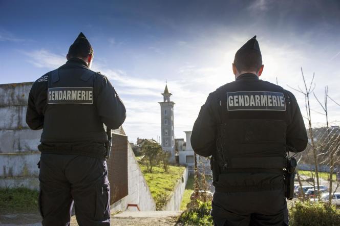 Près de la mosquée de Poitiers, le 12janvier.
