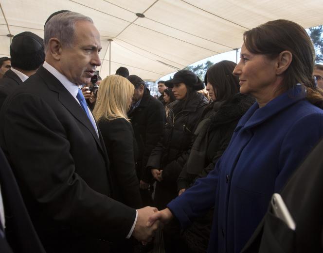 Le premier ministre israélien, Benyamin Nétanyahou, et Ségolène Royal, qui représentait la France, à la cérémonie organisée à Jérusalem mardi 13 janvier en l'honneur des quatre victimes juives de la prise d'otages du supermarché casher.
