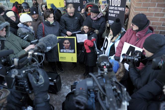 Manifestation de soutien du Saoudien Raïf Badaoui à Montréal, le 13 janvier 2015 par les proches du blogueur et des militants.