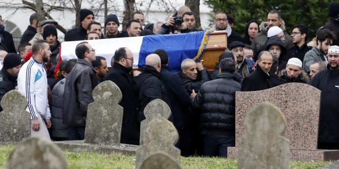 Le 13 janvier à Bobigny, lors des obsèques d'Ahmed Merabet, le policier tué par l'un des frères Kouachi lors de l'attentat contre la rédaction de