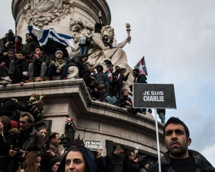 Place de la République, le 11 janvier. Marche républicaine contre la terreur en hommage aux victimes des attentats perpétués entre le 7 et 9 janvier 2015.