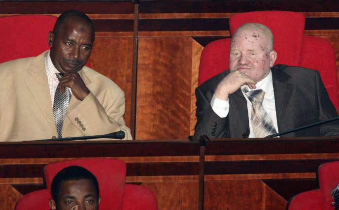 Le premier député albinos tanzanien, Salum Khalfan Barwany, lors d'une session parlementaire, ennovembre2010.