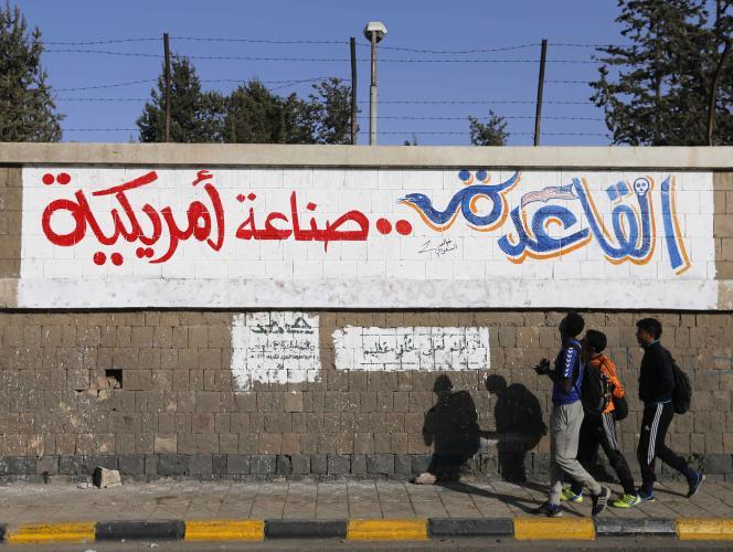 Dans une rue de Sanaa, un slogan :