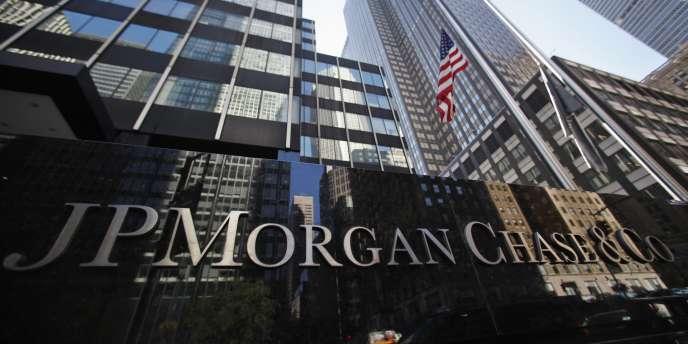 «Le montage que je viens de décrire est celui qui exista, selon les dires de Bruno Iksil, à la banque JPMorgan Chase au début des années 2010, quand le Chief Investment Office constitua un portefeuille de « synthétiques » équivalant à 40 % de la VaR de la banque et susceptible de neutraliser 25 % de celle-ci.»