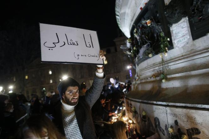 Dans la communauté musulmane, l'attaque dont a été la cible, deux jours plus tôt, la rédaction du journal satirique Charlie Hebdo a provoqué une vive émotion, mais aussi la crainte d'une résurgence de l'islamophobie.