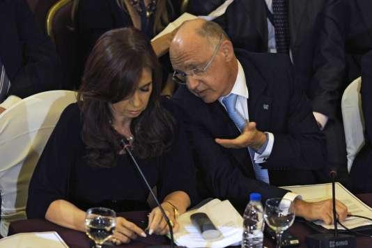 Cristina Kirchner et Héctor Timerman, alors ministre des affaires étrangères, en 2011.