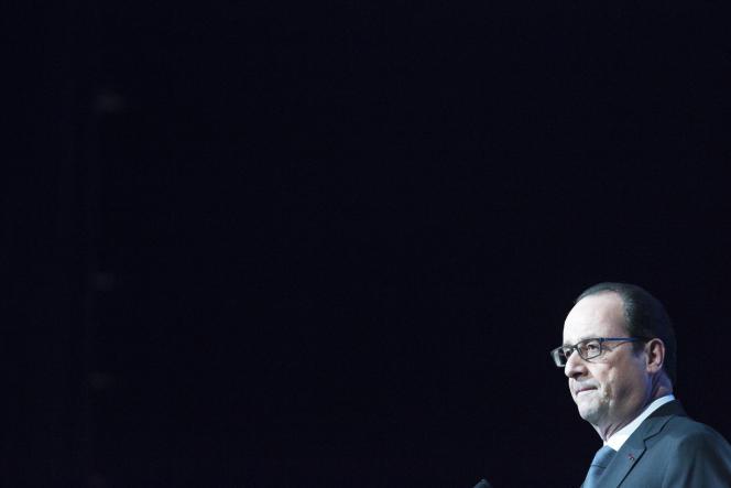 François Hollande participe à l'ouverture du forum