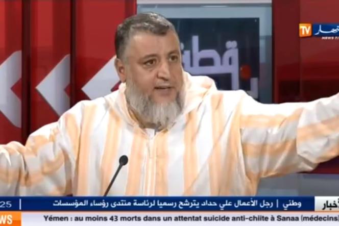 L'ancien militant du FIS, le salafiste Abdelfatah Hamadache sur le plateau de la chaîne de télévision Ennahar TV en octobre.