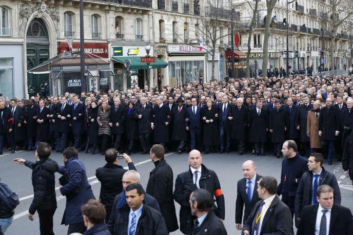 manifestation du 11 janvier 2015. Les 500 officiers de sécurité, ici au premier plan, doivent assurer la protection d'une soixantaine de dirigeants étrangers et de la plupart des responsables politiques français.