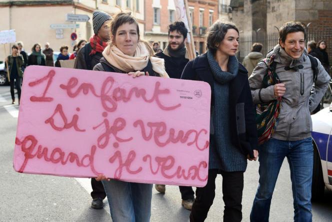 Manifestation en faveur de l'avortement devant le consulat d'Espagne à Toulouse, le 20 décembre 2013.