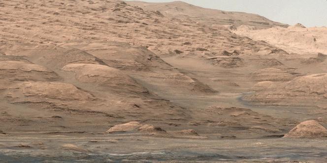 Une photo de la surface de la planète Mars envoyée par Curiosity.