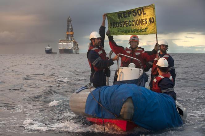 Greenpeace a envoyé en novembre son navire